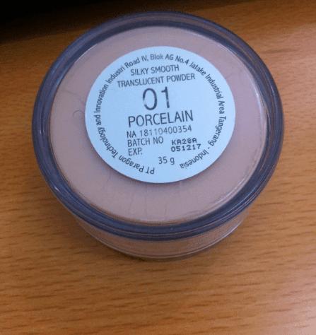 Bedak Make OverSilky Smooth Translucent Powder Porcelain