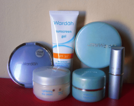 Harga Bedak Wardah Lightening Series
